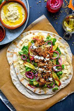 Harissa Lamb Flatbreads /Or ground lamb Meat Recipes, Slow Cooker Recipes, Cooking Recipes, Healthy Recipes, Lobster Recipes, Cooking Tips, Vegetarian Recipes, Lebanese Recipes, Turkish Recipes