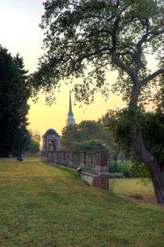 Sweetbriar College VA | Garden wall at Sweet Briar College, Virginia