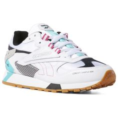 623bcf44f896 Reebok Shoes Women s Classic Leather ATI 90s in White Teal Black Size 6 -  Retro Running Shoes
