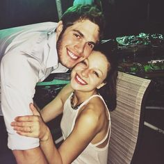 Glee costars Melissa Benoist and Blake Jenner are ending their two-year marriage. TMZ reports the Supergirl star has filed for divorce. The couple, who started Real Wedding Vows, Wedding Vows Examples, Melissa Benoist Wedding, Melissa Benoist Blake Jenner, Melissa Blake, Cute Celebrity Couples, Cutest Couples, Tv Show Couples, Supergirl Tv