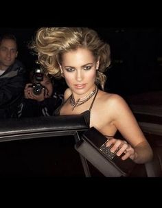 A beautiful woman entering a car surrounded by paparazzi. Ricki Lee, Night Club, Free Stock Photos, Beautiful Women, Model, Dresses, Fashion, Vestidos, Moda