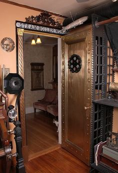 Looking inspiration about steampunk bedroom ideas for your home? There are many steampunk wall decor for your bedroom to be set to steampunk themed Steampunk Kitchen, Casa Steampunk, Steampunk Bedroom, Design Steampunk, Steampunk Desk, Steampunk Interior, Steampunk Home Decor, Mode Steampunk, Steampunk Furniture