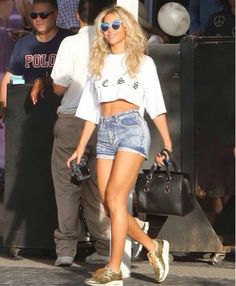 How to Chic: BEYONCE STREET STYLE