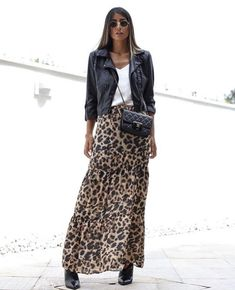 shoe trend 2019 Fashion Trend Animal Print Rock + Lederjacke + weies Top Source by shoetrendaewo alla moda Mode Outfits, Chic Outfits, Spring Outfits, Fashion Outfits, Womens Fashion, Fashion Trends, Autumn Outfits, Skirt Fashion, Look Fashion