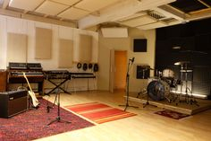 The Ironworks is a Brighton recording studio, and home to producer Mike Pelanconi (Prince Fatty). This is a leading vintage studio on the UK's south coast. This is its live room. https://milocostudios.com/studios/brighton-recording-studios/
