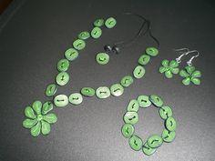 Se vi piace questa #collana in #fimo visitate la mia pagina facebook! #fimo green #parure - if you like it write to me at https://www.facebook.com/ChiaraCreazioniInFimo?ref=hl
