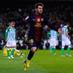 Leo Messi wins the 2012 FIFA Ballon d'Or! 4th years in a row!