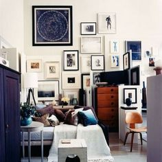 Clustering art is always an #interesting and engaging #interiordesign technique. #SilverLining