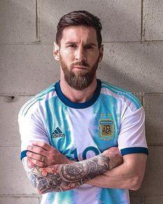 Messi Life, Lional Messi, Messi Tatto, Messi Argentina, Soccer Guys, Uefa Champions, Mens Tops, Hindu Tattoos, Amazing