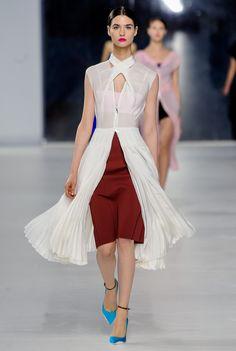Christian Dior Resort 2014 Fashion Show - Manon Leloup
