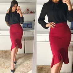"""1,329 curtidas, 10 comentários - Moda Feminina📍Sorteio No Feed (@fiorittastore) no Instagram: """"💕🌹boa tarde🌹💕 Look by @fiorittastore ♥️Blusa gola laço Preta detalhes renda R$:99,00 ♥️Saia peplum…"""""""