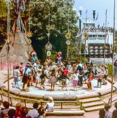 Daily Vintage Disneyland: The Ceremonial Dance Circle in the Indian Village (before 1971) Blog http://mickeyphotosdisneyland.blogspot.com