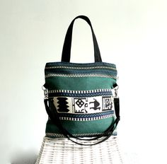Tasche mit Aztekenmuster in Dunkelgrün / shopper bag with aztec pattern made by BayanHippo via DaWanda.com