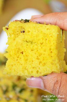 Camargue crayfish with merguez - Healthy Food Mom Steam Recipes, Gourmet Recipes, Snack Recipes, Khaman Dhokla, Dhokla Recipe, Indian Food Recipes, Ethnic Recipes, Gujarati Recipes, Steamed Cake