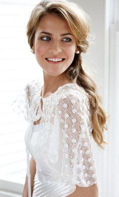 Maquillaje para novias: Si eres fanática de un look fresco y natural este maquillaje es para tí! - Lee el paso a paso en nuestro blog! #casarcasar