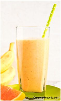 This tropical banana orange mango smoothie is healthy and perfect for breakfast or an after workout snack! It& so refreshing during the hot Summer days! Fitness Smoothies, Protein Smoothies, Smoothies For Kids, Yummy Smoothies, Yummy Drinks, Healthy Drinks, Mango Smoothies, Healthy Snacks, Homemade Smoothies