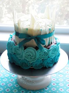 Cake With Icing Freeze : 1000+ images about Layered Cakes on Pinterest Sugar ...