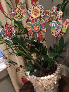 5 Tips and Tricks to Improve Your Pottery Skills – Voyage Afield Polymer Clay Creations, Polymer Clay Crafts, Diy Clay, Clay Flowers, Ceramic Flowers, Pottery Designs, Pottery Art, Clay Wall Art, Clay Birds