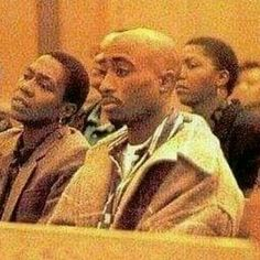 Tupac in court with Afeni 90s Hip Hop, Hip Hop And R&b, Hip Hop Rap, Tupac Photos, Tupac Pictures, Best Rapper Ever, Tupac Makaveli, 2pac Quotes, Bald Man