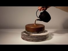 Animated Cake Zoetrope from Alexandre Dubos (video)