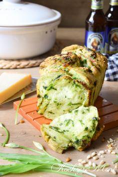 KochzereMoni: Bärlauch Faltenbrot mit Käse³ - Wild garlic and cheese pull apart bread ...schmelz