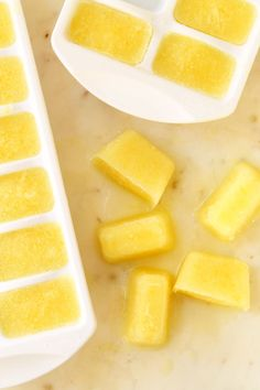 Detoxifying Lemon Ice Cubes 5 mins to prepare, makes 1