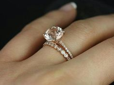 Sleek Sparkle Ring || Round Cut Diamond Petite Ring With White Diamond In 14K Rose Gold