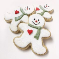 Snowmen out of Gingerbread Man Cutouts Snowman Cookies, Christmas Sugar Cookies, Christmas Snacks, Christmas Candy, Christmas Snowman, Gingerbread Cookies, Decorated Christmas Cookies, Decorated Cookies, Christmas Cookies Cutouts