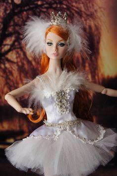 Fashion Royalty Dolls, Fashion Dolls, Ballerina Barbie, Father Photo, Enchanted Doll, Glamour Dolls, Doll Face, Girl Scouts, Barbie Dolls