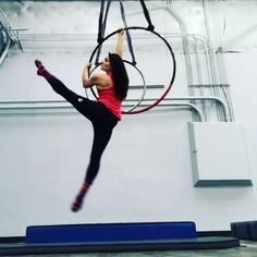 Lion in the tree --> flag --> side straddle beats --> roll through to running man Aerial Hoop, Lyra Aerial, Aerial Arts, Aerial Silks, Aerial Dance, Walking Man, Flying Lessons, Leg Lifts, Contortion