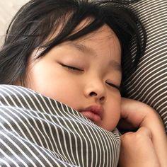 Cute Asian Babies, Korean Babies, Asian Kids, Cute Babies, Cute Baby Meme, Baby Memes, Jikook, Baby Girl Quotes, My Baby Girl