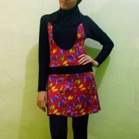 Baju Renang Muslimah Dewasa Merah Motif Kupu-kupu beli di ellima.web.id