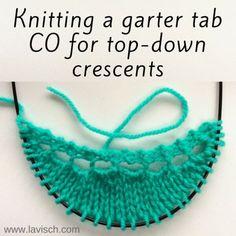 tutorial: garter tab CO for top-down crescents – La Visch Designs - Knitting tutorials Bamboo Knitting Needles, Lace Knitting, Knitting Stitches, Knit Crochet, Knitting Patterns, Knitting Tutorials, Knitting Ideas, Crescent Shawl, Shawl Patterns