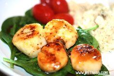 healthy scallop recipe Shrimp And Scallop Recipes, Easy Scallop Recipes, Italian Shrimp Recipes, Spicy Shrimp Recipes, Clam Recipes, Seafood Recipes, Appetizer Recipes, Shrimp Meals, Dinner Recipes