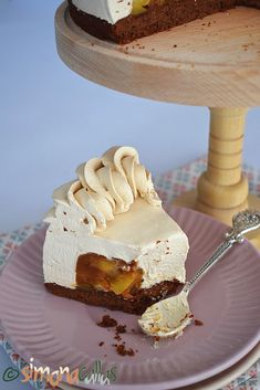 Tort Entremet cu mere si caramel - un desert rafinat - simonacallas Baking Recipes, Cake Recipes, Dessert Recipes, Nutella, Food Cakes, Something Sweet, No Bake Cake, Sweet Recipes, Cheesecake