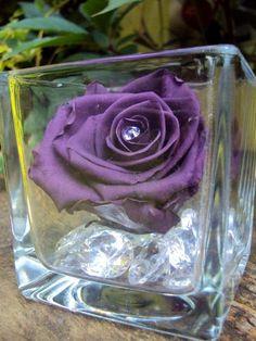 Vase cube Rose & Diamants fleur naturelle éternelle par Artifleurs