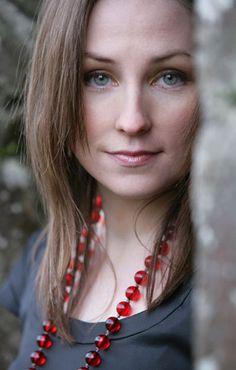 Julie Fowlis-a true Irish Red