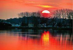 Sunset in Ria de Aveiro by António Marciano, via 500px