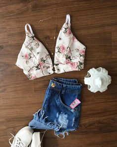 Crop Top Outfits, Hot Outfits, Stylish Outfits, Girl Outfits, Fashion Outfits, Classy Summer Outfits, Summer Outfits Women, Fashion 101, Teen Fashion