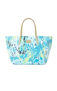 Shop for the Resort Tote - Let's Cha Cha with complimentary shipping and effortless returns from Lilly Pulitzer. In your favorite print, Cha Cha? The Resort tote can be used as an overnight handbag or even a small Bustiers, Resort Wear For Women, Beach Items, Bodysuit, Beach Tote Bags, Cute Bags, Lady, Lilly Pulitzer, Bag Accessories