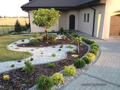 Who Knew Home Landscaping for Energy Conservation Had This Effect? Front House Landscaping, Stone Landscaping, Small Backyard Landscaping, Backyard Garden Design, Garden Landscape Design, Landscaping With Rocks, White Pebble Garden, Pin On, Back Gardens