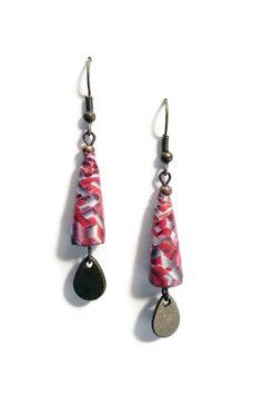 Boucles d'Oreilles Perles en Papier - Goutte Bronze - Noir Rouge : Boucles d'oreille par cap-and-pap