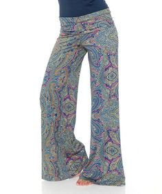 I can not decided if these are a good thing or not. Deffently out of my box. I like the colors though. White Mark Navy & Pink Paisley