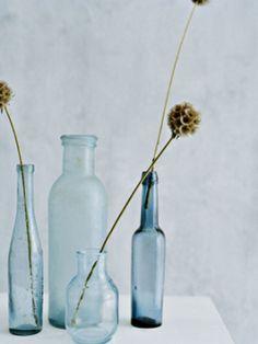 ドライフラワーの落ち着いた色味は、秋冬のインテリアによく馴染みます。そのまま花瓶に飾ってもいいし、スワッグにアレンジして飾っても素敵なインテリアアイテムに。お花が少ない冬こそ、ドライフラワーで毎日の暮らしに華を添えてみませんか?