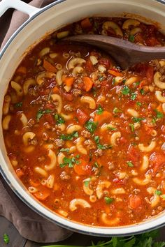 Goulash Soup - Beef and Tomato Macaroni Soup - Cooking Classy Hamburger Macaroni Soup, Macaroni And Tomatoes, Pasta Soup, Tomato Rice Soup, Diet Food To Lose Weight, Weight Loss Meals, Beef Soup Recipes, Dinner Recipes, Cooking