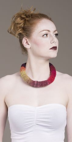 Yarn in Use Textile Jewelry, Crochet Necklace, Jewelry Design, Fashion, Moda, Crochet Collar, Fashion Styles, Fasion