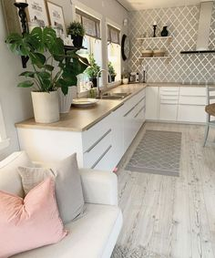 Different Interior Decorating Styles For a Living Room Interior Design Career, Interior Decorating Styles, Decorating Your Home, Diy Home Decor, Decorating Ideas, Bulthaup Kitchen, Decoration Inspiration, Decor Ideas, Interior Inspiration