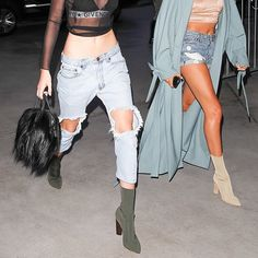 Kendall Jenner wears a sheer mesh crop top, Givenchy bra, One Teaspoon jeans and Yeezy boots Yeezy Boots, Addidas Yeezy, Sock Boots Outfit, Mode City, Most Comfortable Shoes, Kendall Jenner Outfits, Kardashian Style, Fashion Outfits, Concert Outfits