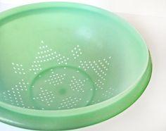 Tupperware colander or strainer jadeite green