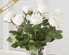 Cambia el ambiente de tu hogar añadiendo a él un toque floral con estas flores artificiales de primera calidad. Realismo a la vista y al tacto.